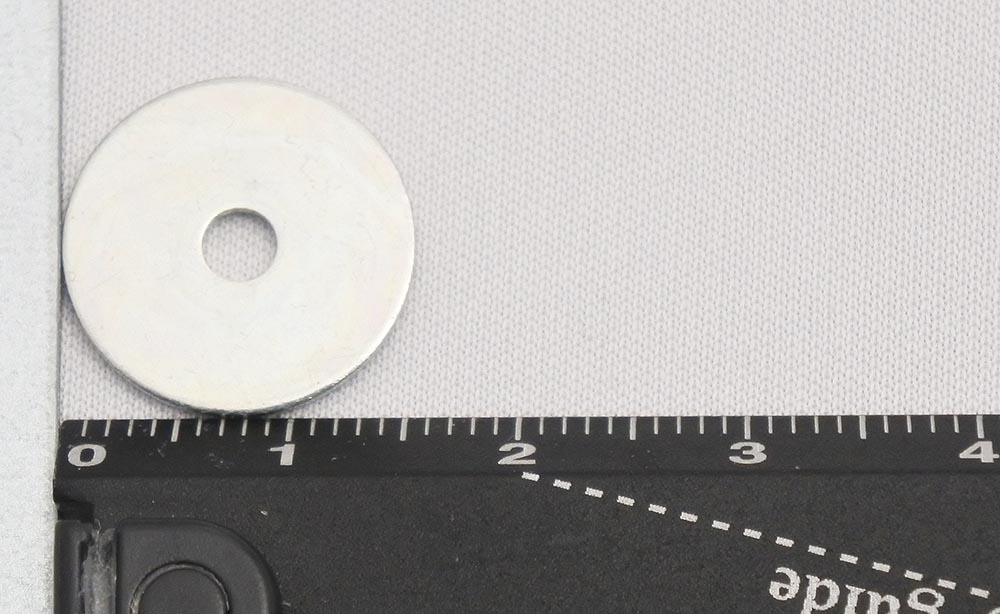 暖突付属のワッシャーは直径15mm