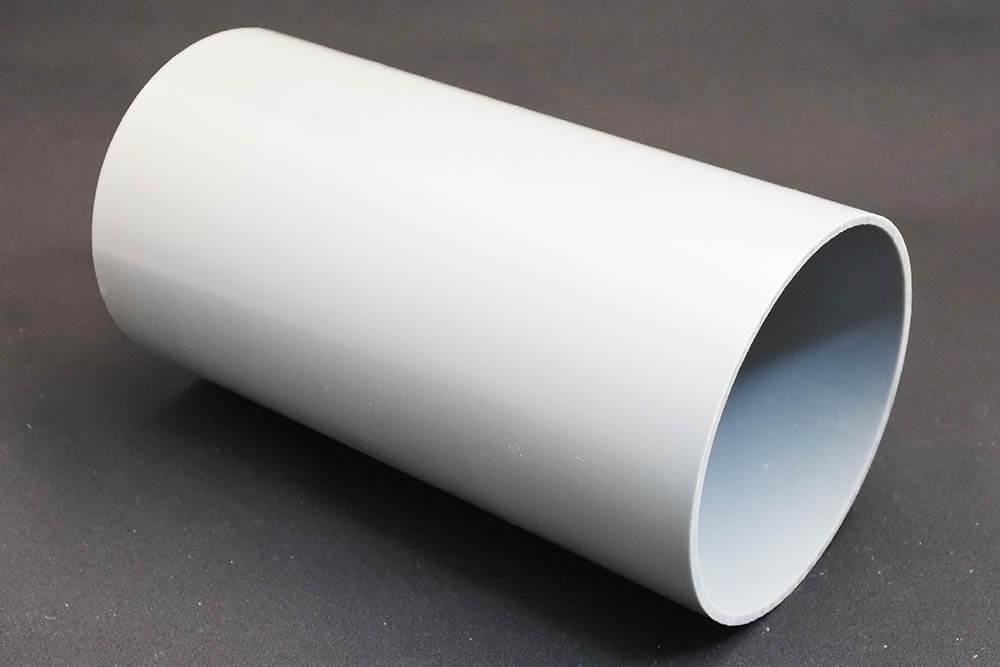 ハリネズミがくぐるのに最適な直径10cmの塩ビパイプ